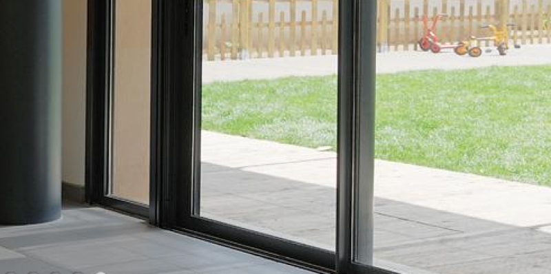 Fen tre et porte fen tre coulissante en aluminium for Porte fenetre coulissante aluminium