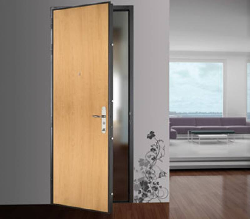 Installation de porte d 39 entr e blind e sur mesure for Installation porte blindee