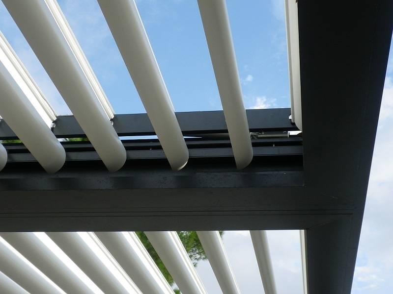 Installateur de pergola bioclimatique lames orientables distra 39 sun toulouse menuiseries - Pergola bioclimatique a lames orientables ...