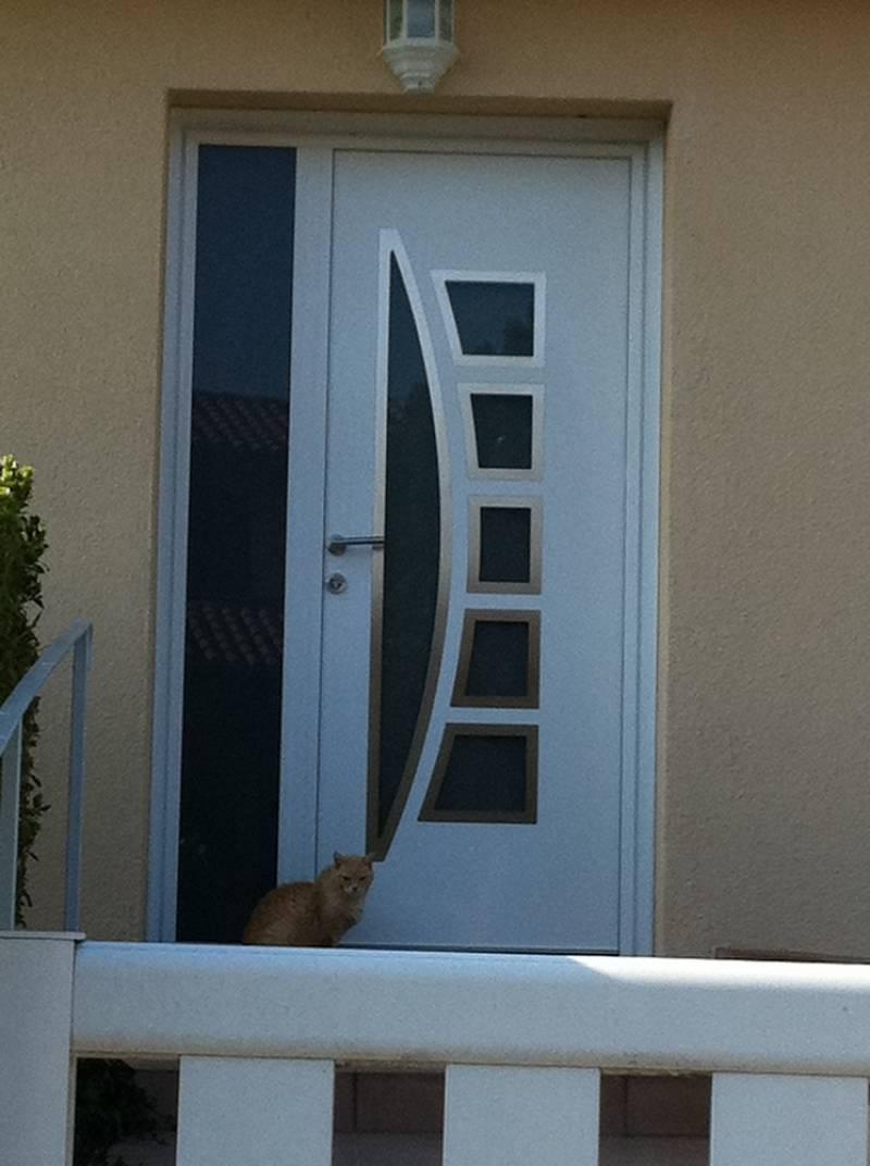 Porte d 39 entr e aluminium contemporaine sur mesure toulouse menuiseries doumenc - Porte d entree sur mesure ...