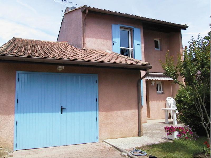 Installateur De Porte De Garage Sur-Mesure À Toulouse - Menuiseries